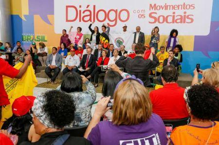 Diálogo com os movimetos sociais 2